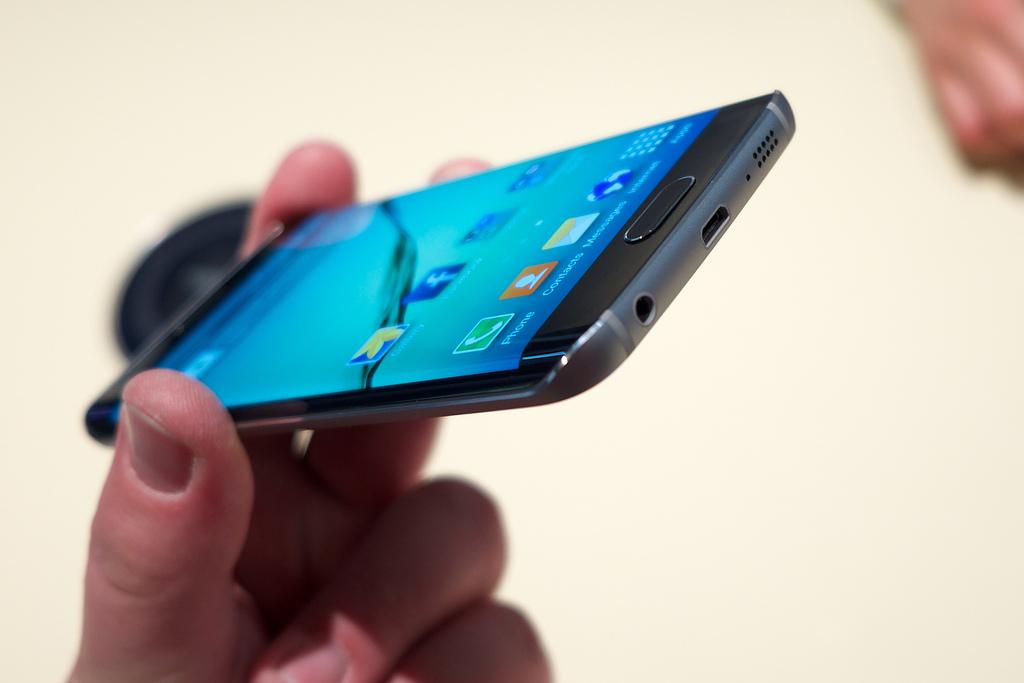 Samsung Galaxy S6 Edge Vulnerabilities